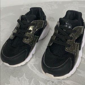 Nike black/white child's slip on shoes size 7C